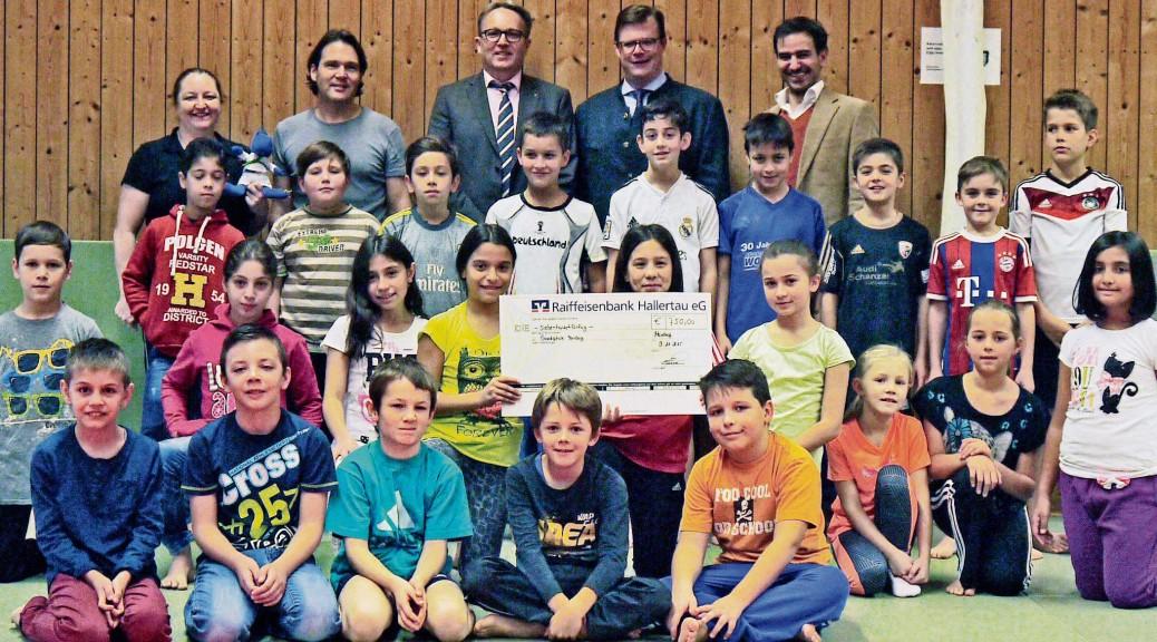 Spendenübergabe-Grundschule-2015-11-19